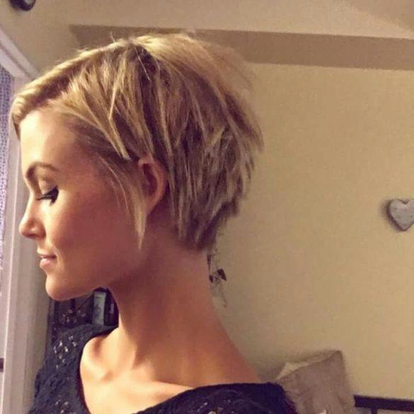 Tendance COIFFURES - Coupe de cheveux courte pour femme de 60 ans : les coiffures qui rajeunissent
