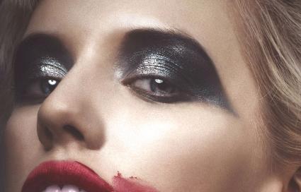 Maquillage des yeux vampire