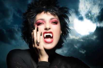 Belle fille vampire