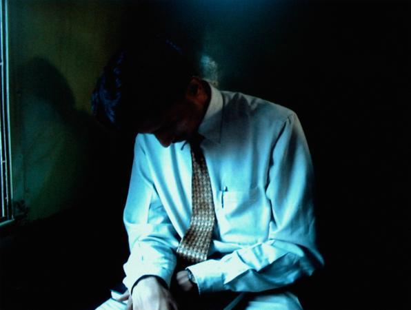 Homme d'affaires dans les ombres