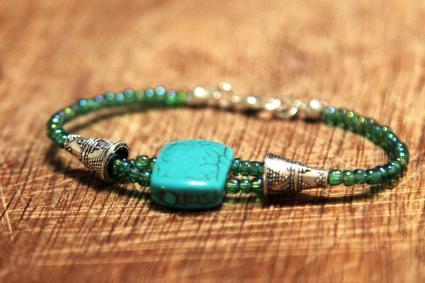 Bracelet pierres et cristaux