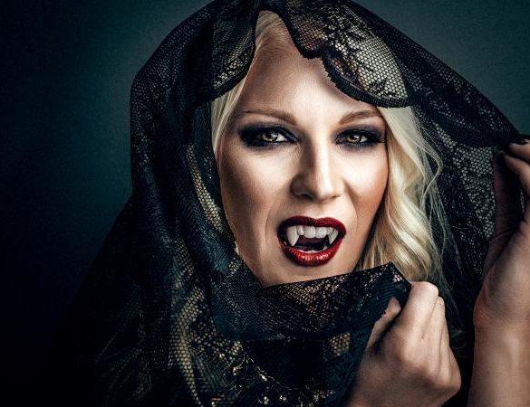 Woman vampire creative make up