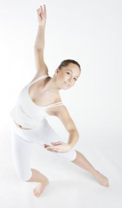 une femme Balance dansant en tenue de ballet