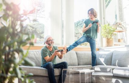 couple jouant au jeu vidéo