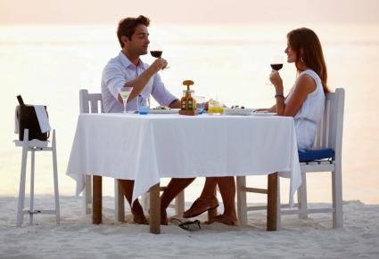 Dîner romantique à la plage